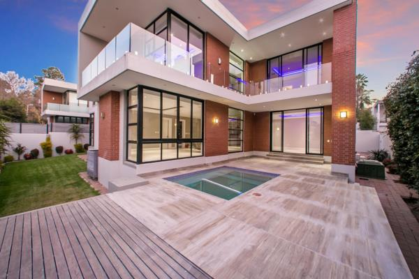 Cluster house for sale in Oaklands (Johannesburg)
