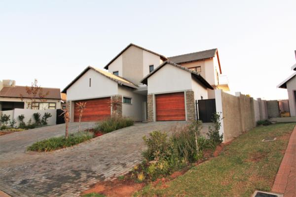 4 bedroom house for sale in Country View Estate