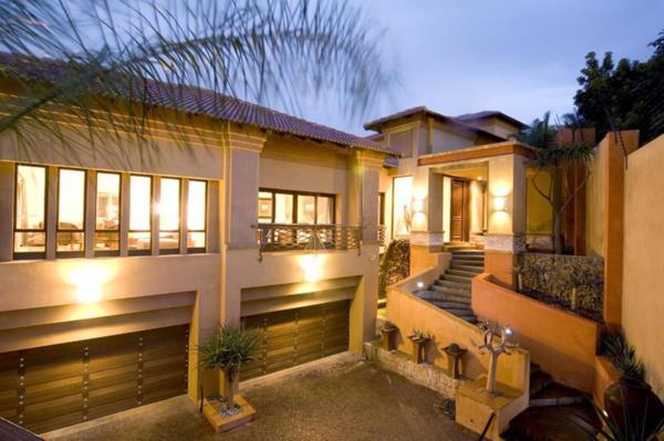 7 bedroom house to rent in Waterkloof Glen