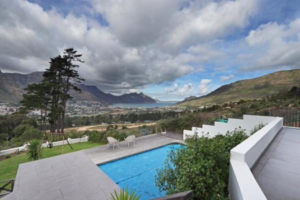 4 bedroom house for sale in Mount Rhodes