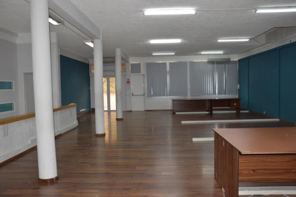 727 m² commercial office to rent in Port Louis (Mauritius)