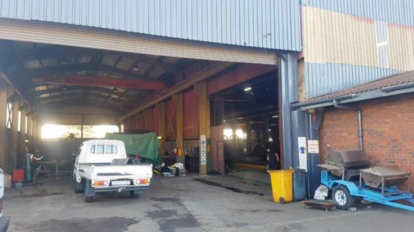 4299 m² commercial industrial property to rent in Alton