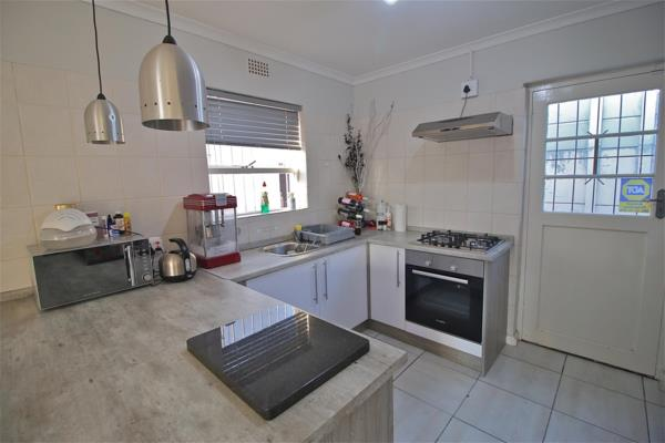 https://images.pamgolding.co.za/content/properties/201907/623974/h/623974_h_8.jpg?w=600&quality=75