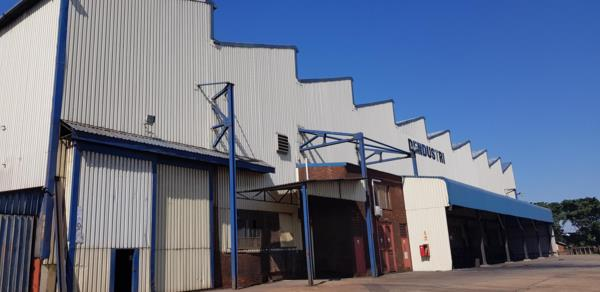 3000 m² commercial industrial property to rent in Alton