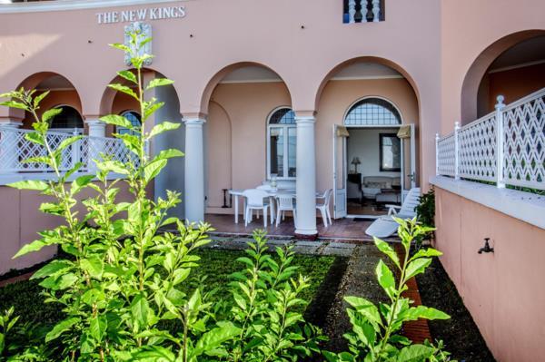 2 bedroom apartment for sale in Kalk Bay