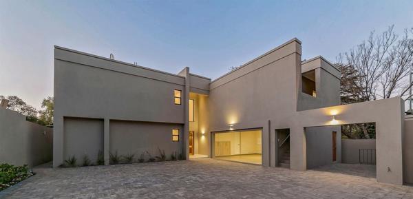 4 bedroom cluster house for sale in Oaklands (Johannesburg)