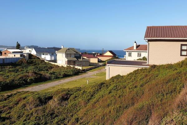 833 m² vacant land for sale in Cape St Francis