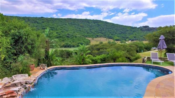 11 guest room country resort for sale in Colleen Glen