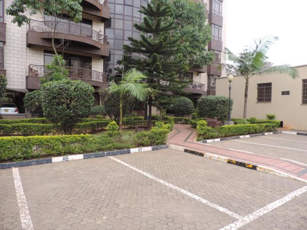 4 bedroom penthouse apartment to rent in Kilimani (Kenya)