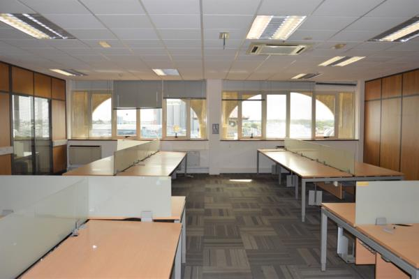 1211 m² commercial office to rent in Port Louis (Port Louis, Mauritius)