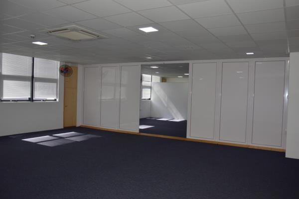 137 m² commercial office to rent in Grand Baie (Grand Bay) (Mauritius)