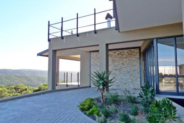 4 bedroom house for sale in Pezula Private Estate