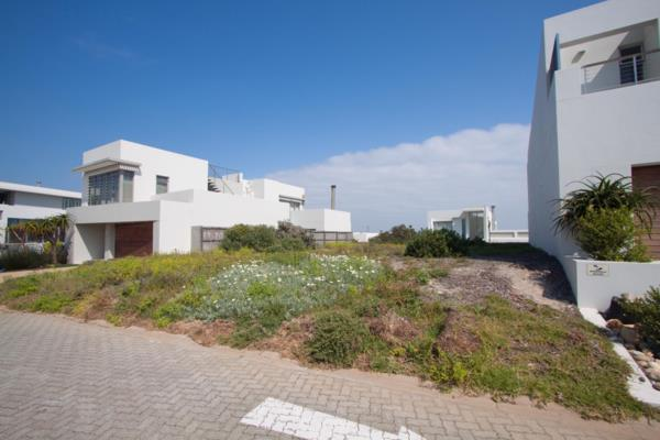 411 m² residential vacant land for sale in Big Bay