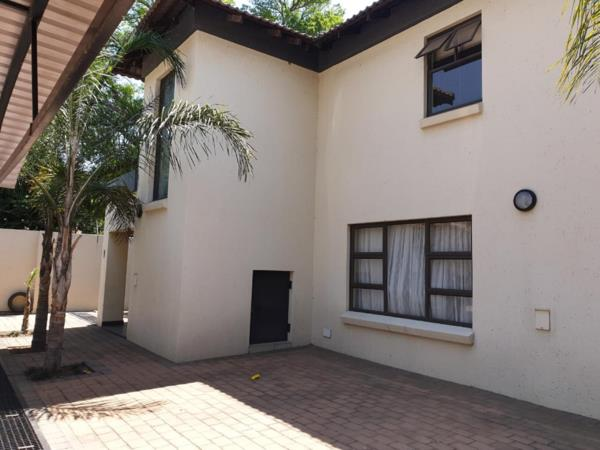 3 bedroom house for sale in Selcourt