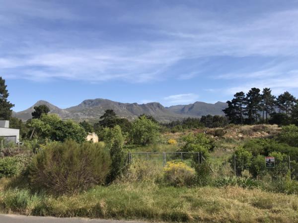 3000 m² residential vacant land for sale in Klipkop Estate