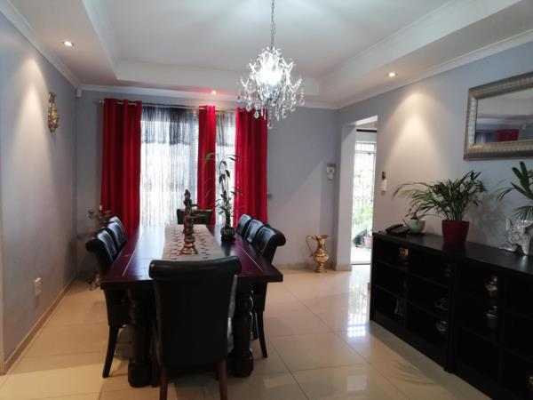 5 bedroom house for sale in Cravenby