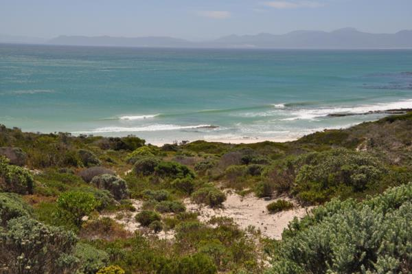 2213 m² residential vacant land for sale in Romansbaai Estate