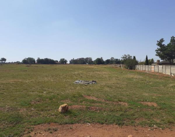 1000 m² vacant land for sale in Delmas