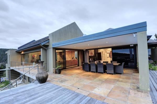 6 bedroom house for sale in Victoria Bay