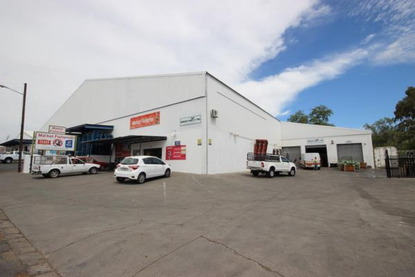 3000 m² commercial retail property for sale in Central (Oudtshoorn)