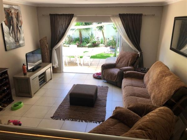 4 bedroom townhouse to rent in Gallo Manor