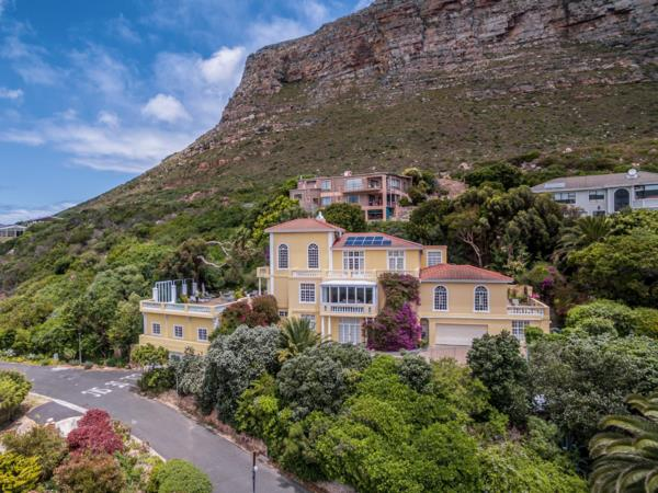 9 bedroom house for sale in Muizenberg