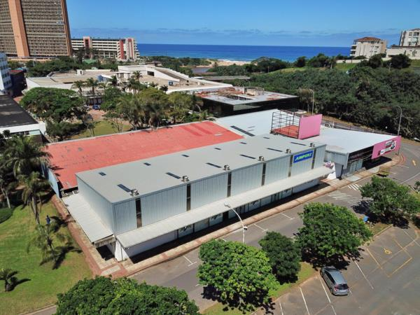 1860 m² commercial retail property for sale in Amanzimtoti