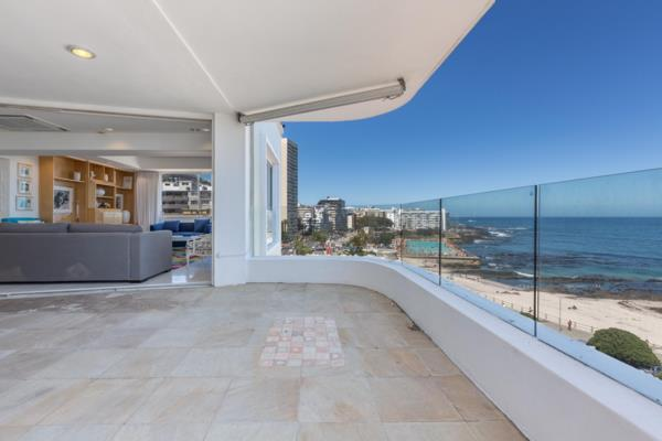 4 bedroom apartment for sale in Sea Point