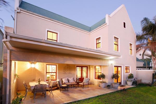 https://images.pamgolding.co.za/content/properties/202001/1561690/h/1561690_h_1.jpg?w=600&quality=75