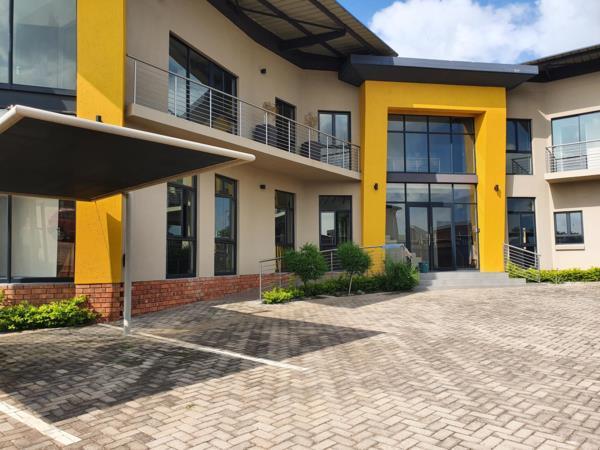 455 m² commercial office for sale in Bendor Park