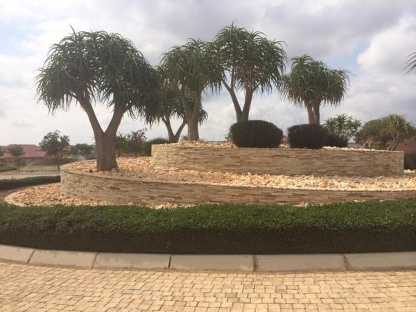 16514 m² residential vacant land for sale in Bendor Park
