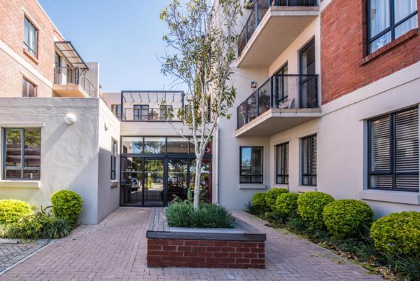 1 bedroom garden apartment for sale in Pinelands (Cape Town)