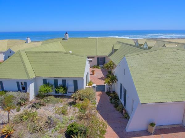 4 bedroom house for sale in Jakkalsfontein