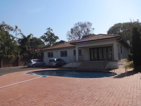 https://images.pamgolding.co.za/content/properties/202002/1582481/h/1582481_h_3.jpg?w=600&quality=75