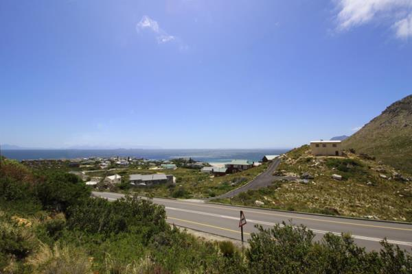 1425 m² vacant land for sale in Rooi Els
