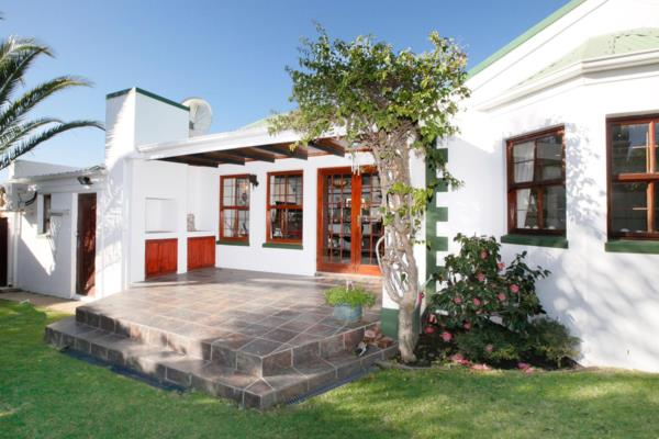 https://images.pamgolding.co.za/content/properties/202003/1582012/h/1582012_h_13.jpg?w=600&quality=75