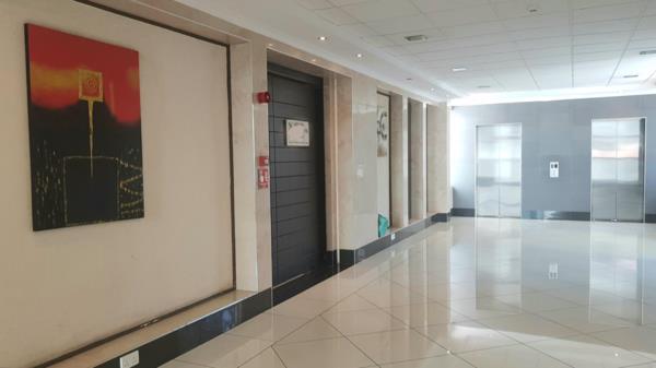 404 m² commercial office to rent in Riverside (Kenya)