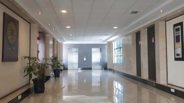 393 m² commercial office to rent in Riverside (Kenya)