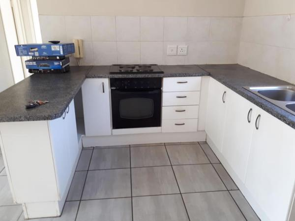 https://images.pamgolding.co.za/content/properties/202003/1584504/h/1584504_h_3.jpg?w=600&quality=75