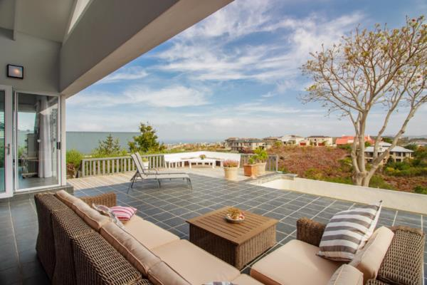 5 bedroom house for sale in Pezula Golf Estate