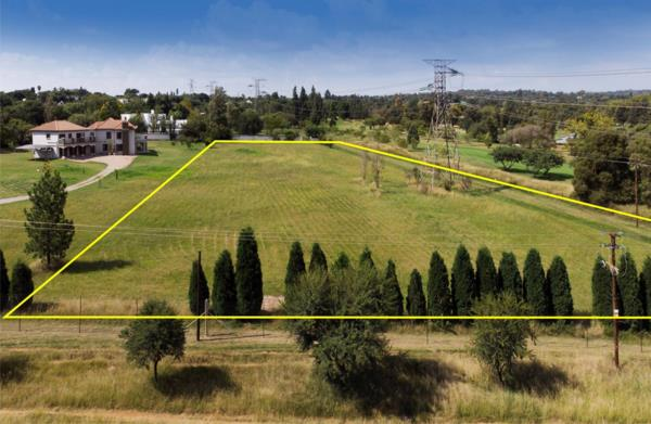 13327 m² residential vacant land for sale in Beaulieu