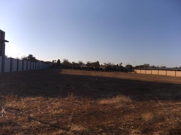 2400 m² vacant land for sale in Aerorand