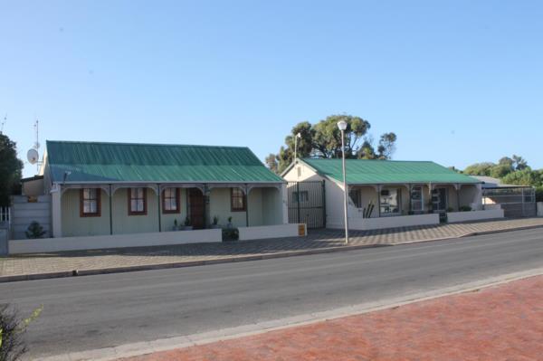 7 bedroom house for sale in Middedorp (Langebaan)