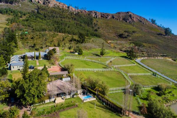 15.1 hectare equestrian farm for sale in Franschhoek