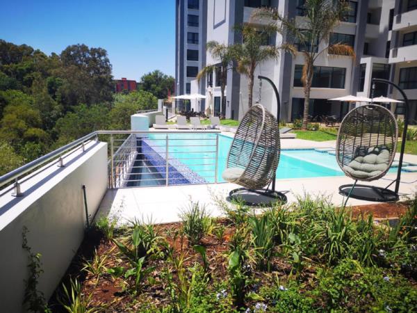 2 bedroom apartment to rent in Ashlea Gardens
