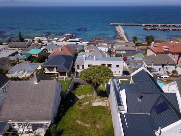 447 m² residential vacant land for sale in Kalk Bay