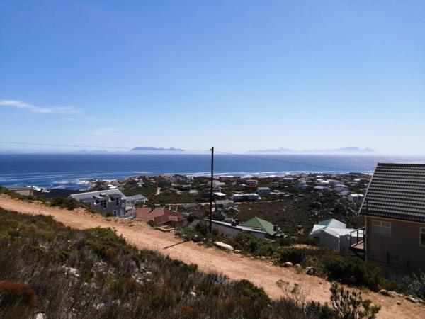 1425 m² residential vacant land for sale in Rooi Els