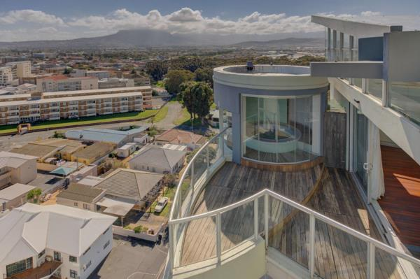 3 bedroom penthouse apartment for sale in Strand South