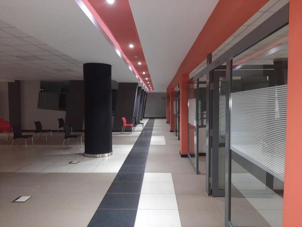 953 m² commercial office to rent in Thika Road (Kenya)