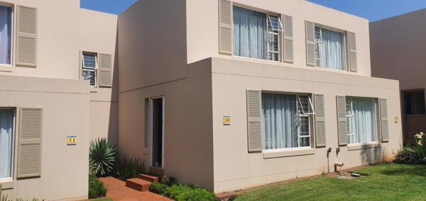 3 bedroom townhouse for sale in Caribbean Beach